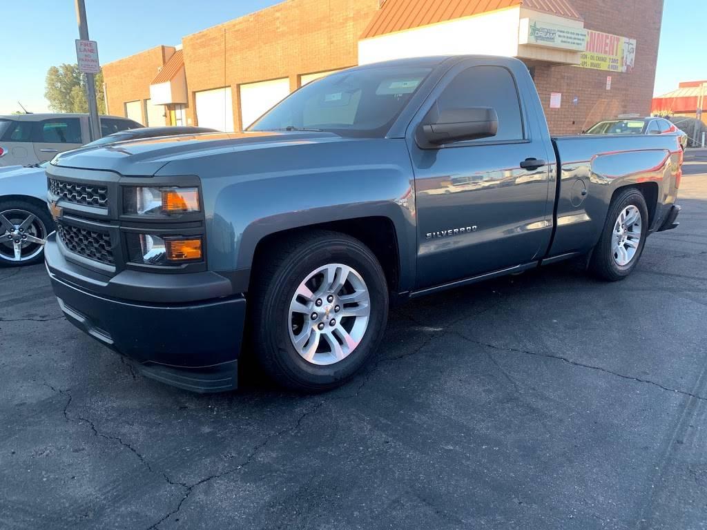 Custom Dream truck and auto repair - car repair  | Photo 9 of 10 | Address: 7740 W Indian School Rd suite 2, Phoenix, AZ 85033, USA | Phone: (623) 330-6397