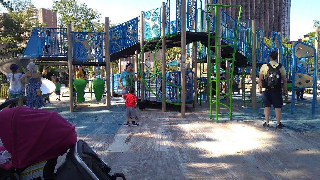 Asser Levy Park - park  | Photo 2 of 10 | Address: 302 Sea Breeze Ave, Brooklyn, NY 11224, USA | Phone: (212) 639-9675