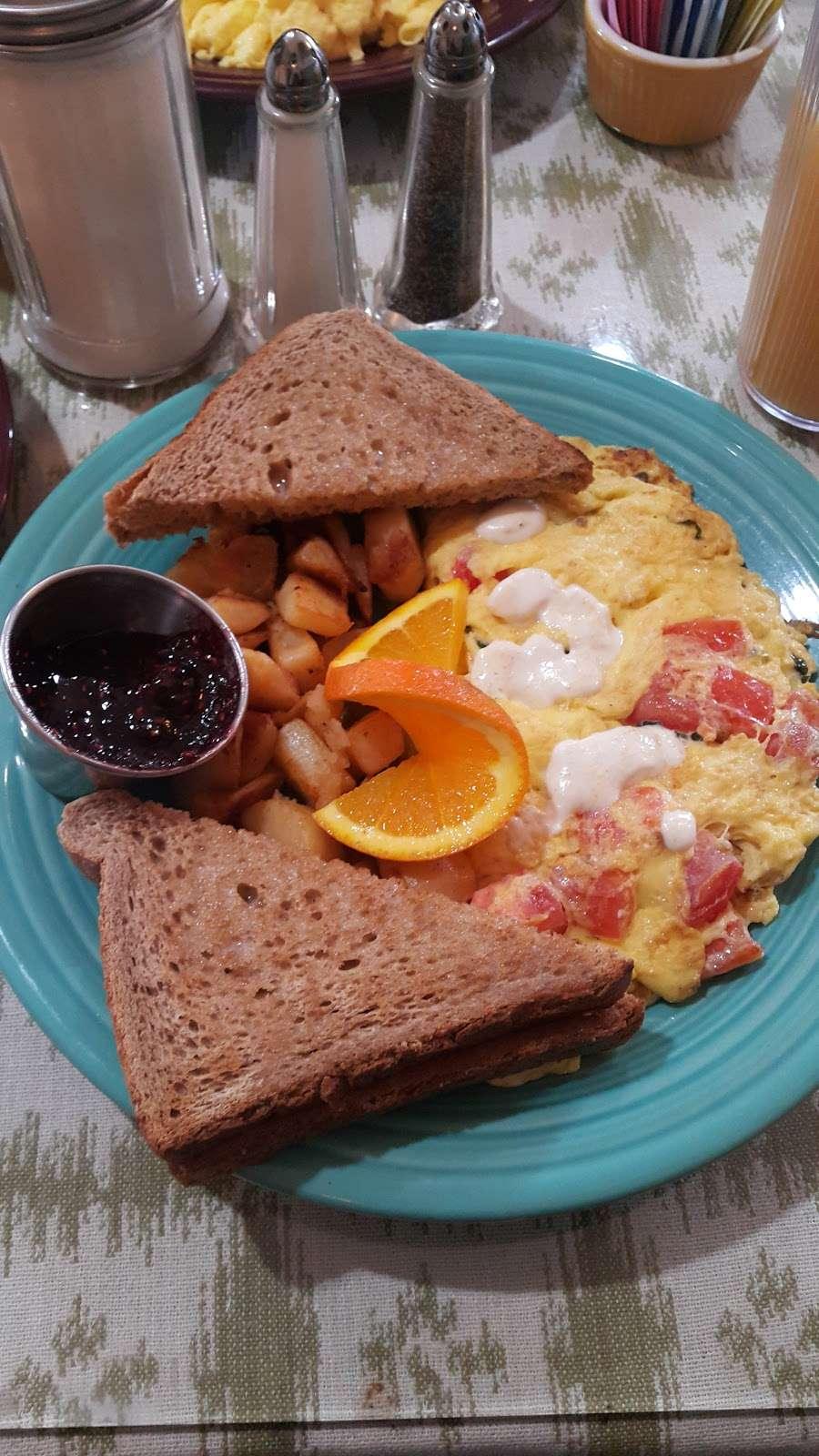 Breakfast Table - restaurant  | Photo 10 of 10 | Address: 1315 Tatamy Rd, Easton, PA 18045, USA | Phone: (610) 252-8783