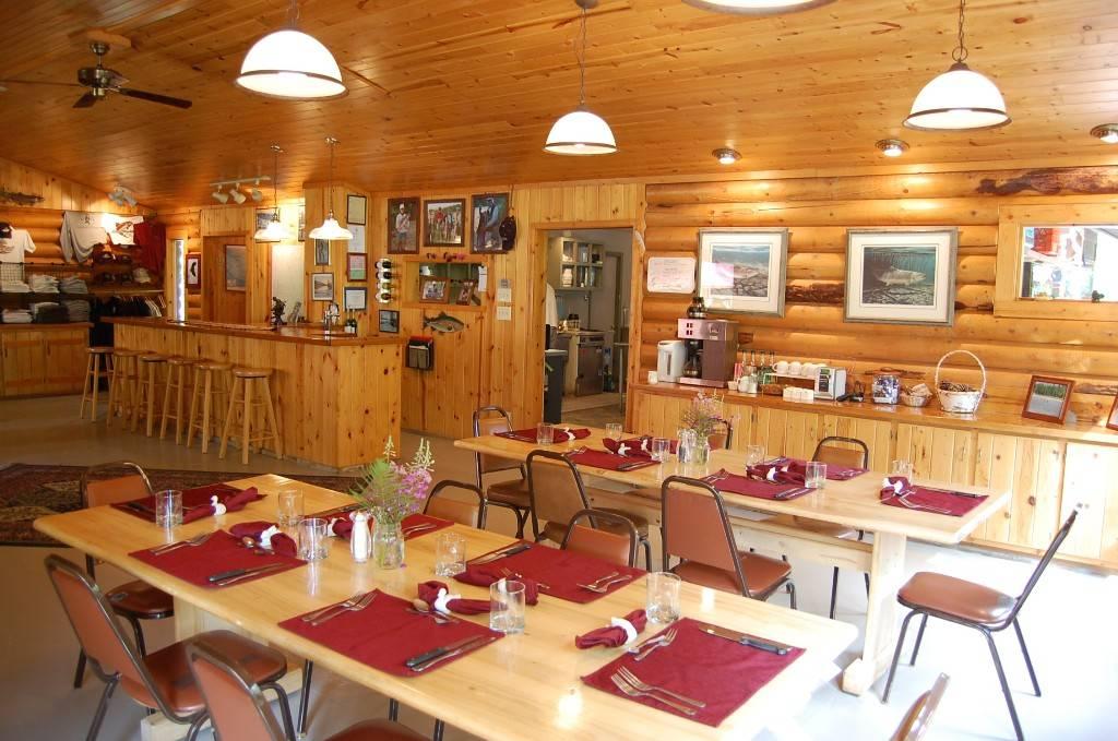Wilderness Place Lodge Inclusive Alaska Fishing - lodging  | Photo 5 of 10 | Address: 4525 Enstrom Cir, Anchorage, AK 99502, USA | Phone: (907) 733-2051