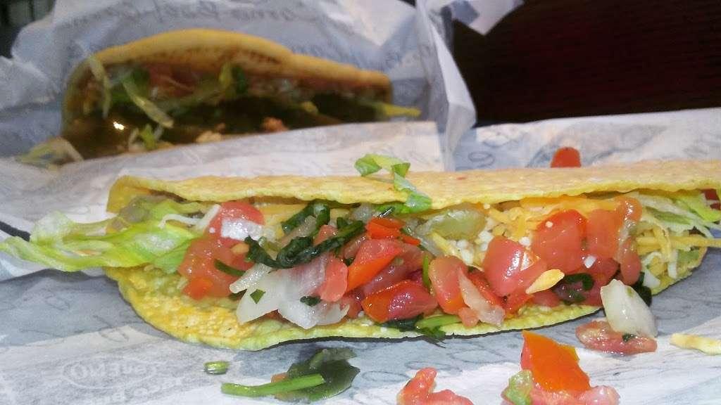 Taco Bueno - restaurant  | Photo 6 of 10 | Address: 2113 E Belt Line Rd, Richardson, TX 75081, USA | Phone: (972) 690-5373