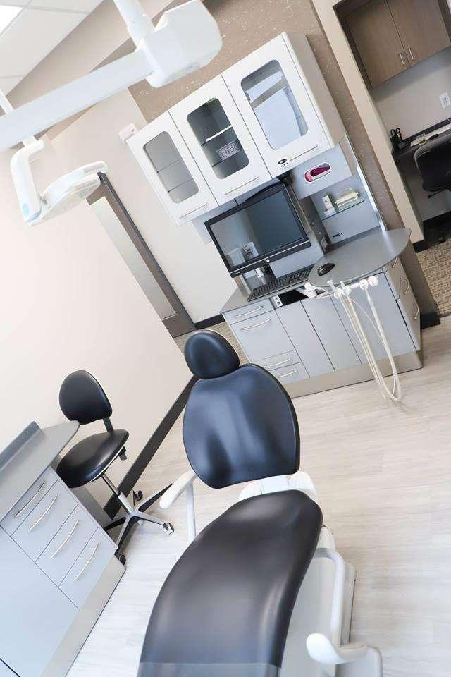 Staley Smiles Dental Care: Dr. Thomas Barton, DDS - dentist    Photo 4 of 7   Address: 9592 N McGee St, Kansas City, MO 64155, USA   Phone: (816) 453-0195