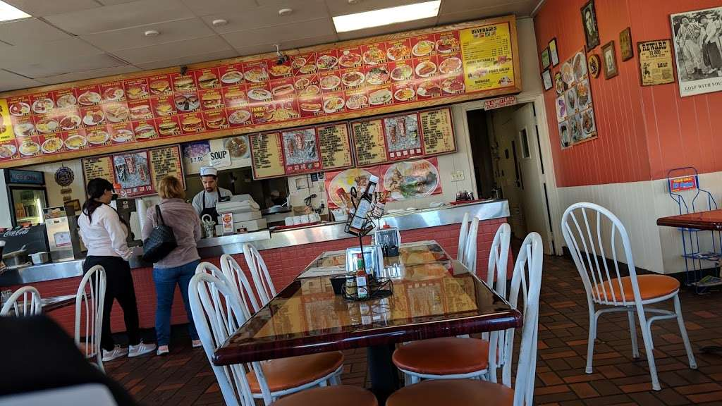 Cougars Burgers - restaurant  | Photo 8 of 10 | Address: 12800 S Inglewood Ave, Hawthorne, CA 90250, USA | Phone: (310) 675-5519