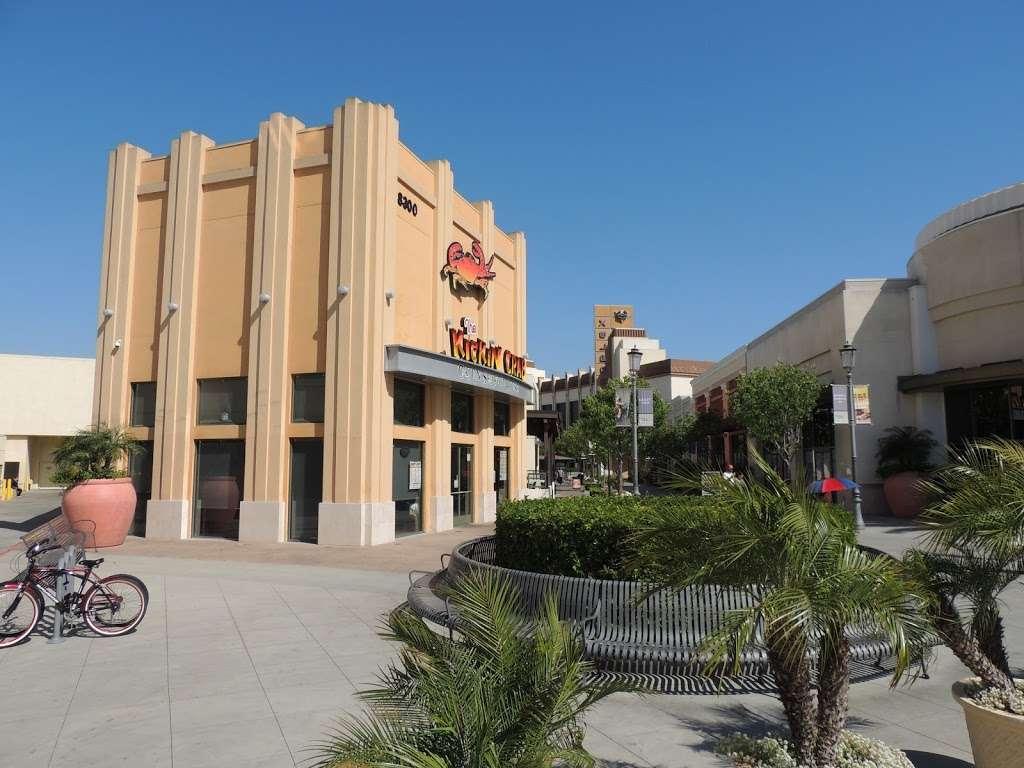 The Kickin Crab - restaurant  | Photo 4 of 10 | Address: 8300 La Palma Ave A6, Buena Park, CA 90620, USA | Phone: (714) 828-8788