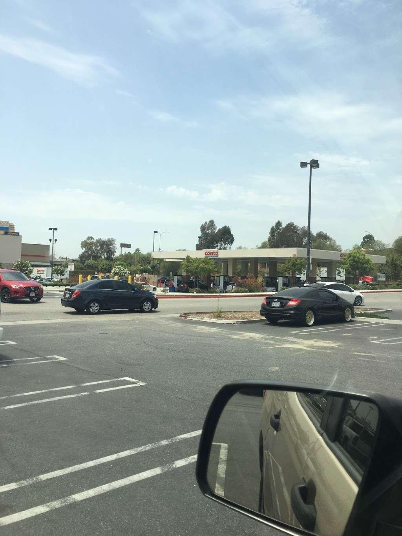 Costco Gasoline - gas station  | Photo 10 of 10 | Address: 13550 Paxton St, Pacoima, CA 91331, USA | Phone: (818) 272-2700
