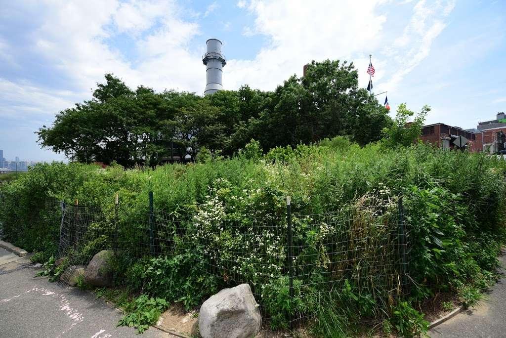 Grand Ferry Park - park  | Photo 10 of 10 | Address: Grand St &, River St, Brooklyn, NY 11211, USA | Phone: (212) 639-9675