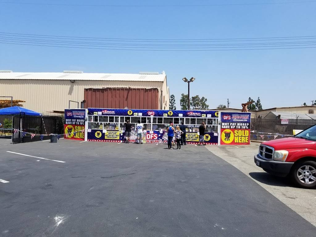 Discount Fireworks Superstore - store  | Photo 2 of 2 | Address: 9942 E, Manning Ave, Selma, CA 93662, USA | Phone: (800) 246-9630