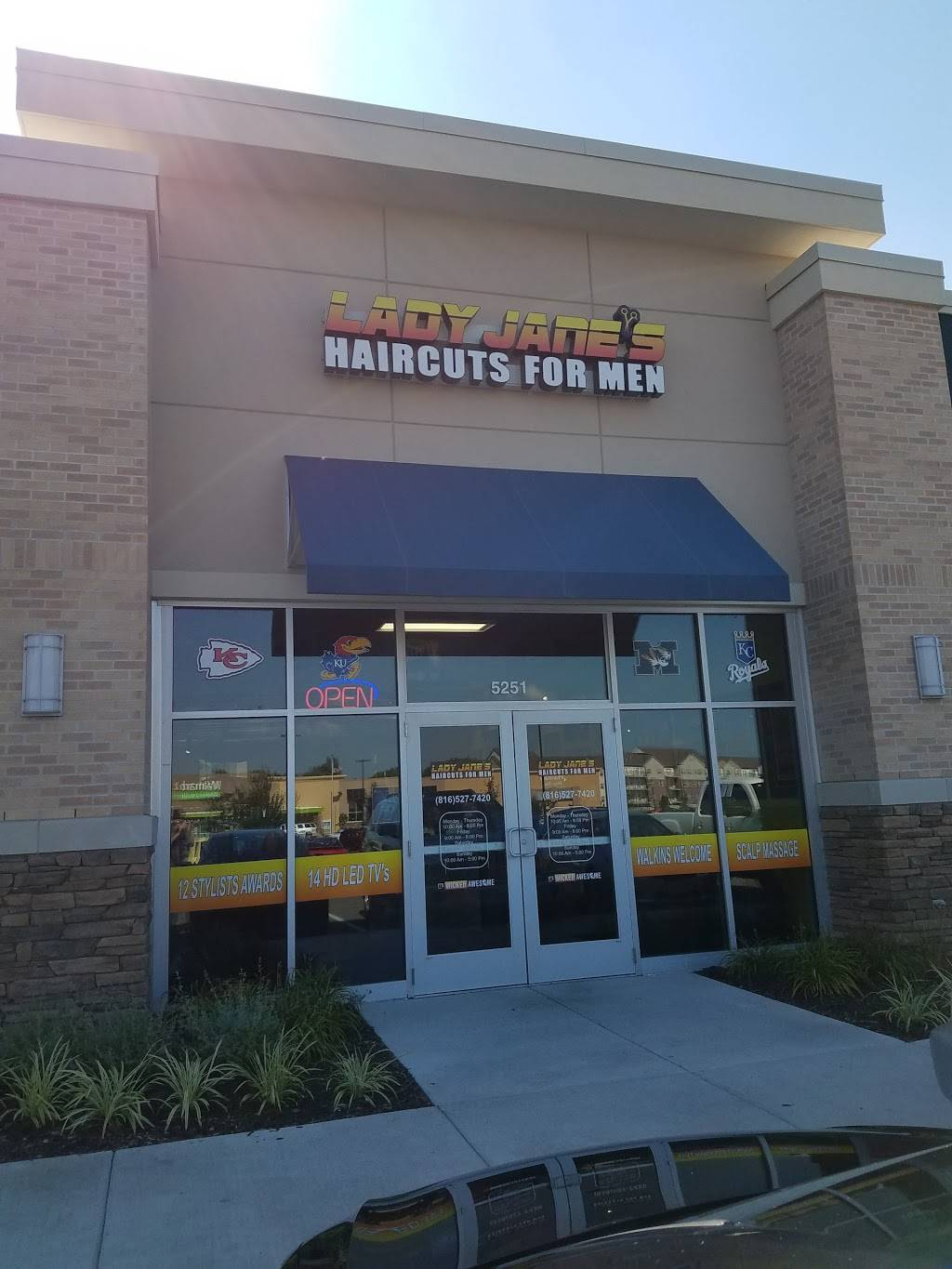 Lady Janes Haircuts for Men (NE Antioch Rd) - hair care  | Photo 8 of 10 | Address: 5251 NE Antioch Rd, Kansas City, MO 64119, USA | Phone: (816) 527-7420