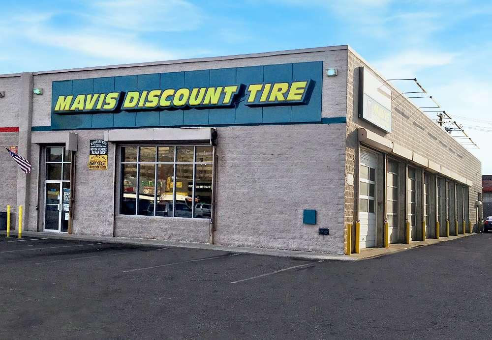 Mavis Discount Tire - car repair  | Photo 2 of 10 | Address: 832 Pennsylvania Ave, Brooklyn, NY 11207, USA | Phone: (718) 307-6771