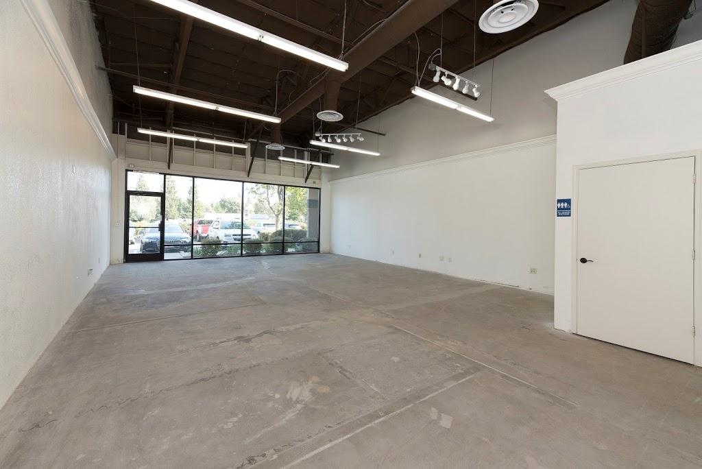 Roseville Bus Park Leasing Office - real estate agency  | Photo 5 of 10 | Address: 951 Washington Blvd, Roseville, CA 95678, USA | Phone: (916) 781-3566