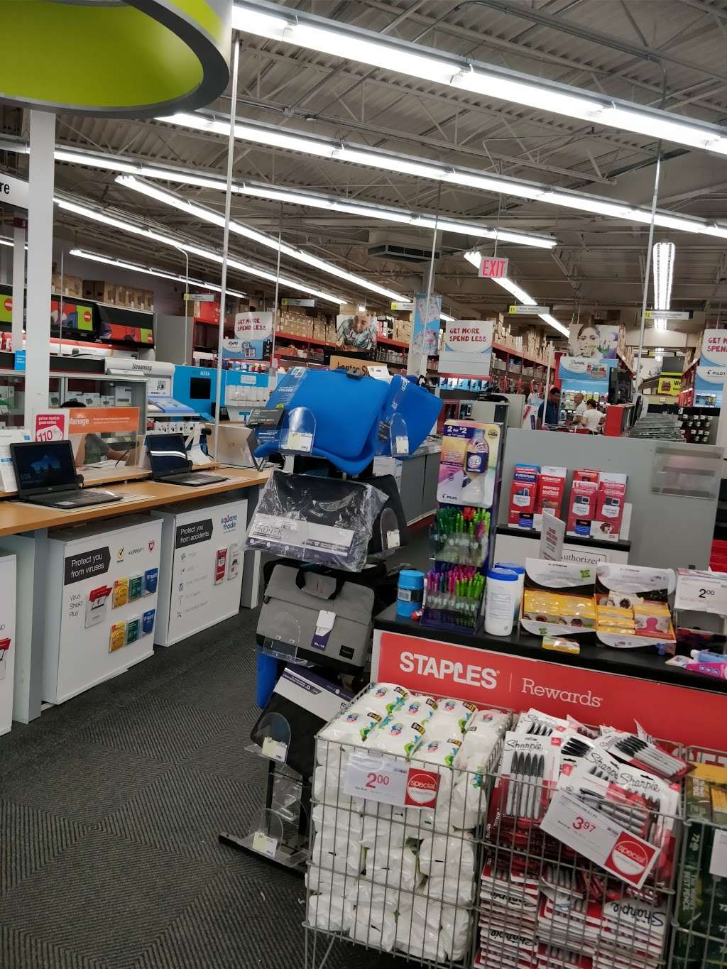 Staples - furniture store    Photo 9 of 10   Address: 134-01 20th Ave, College Point, NY 11356, USA   Phone: (718) 460-2258