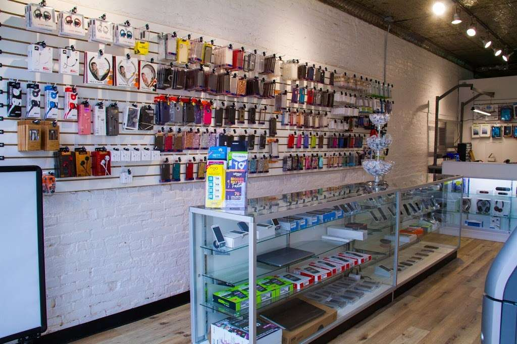 QUICK REPAIR & ELECTRONICS - store  | Photo 1 of 10 | Address: 151 Avenue A, New York, NY 10009, USA | Phone: (212) 804-8629