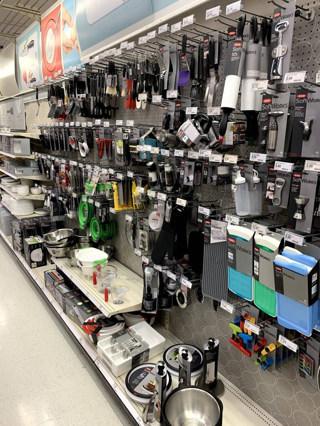 Target - department store    Photo 10 of 10   Address: 333 N 48th St, Lincoln, NE 68504, USA   Phone: (402) 464-8292