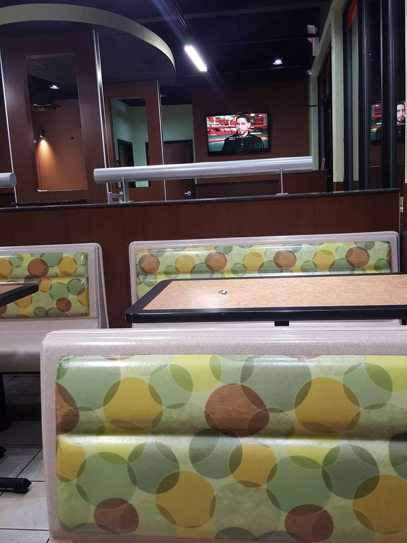 Burger King - restaurant    Photo 9 of 10   Address: 490 US-46, South Hackensack, NJ 07606, USA   Phone: (201) 641-5534