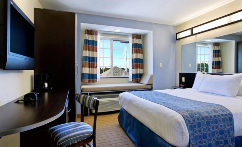 Microtel Inn & Suites by Wyndham Baton Rouge Airport - lodging    Photo 2 of 10   Address: 3444 Harding Blvd, Baton Rouge, LA 70807, USA   Phone: (225) 356-9191