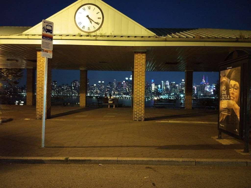 Old Glory Park - park  | Photo 10 of 10 | Address: West New York, NJ 07093, USA