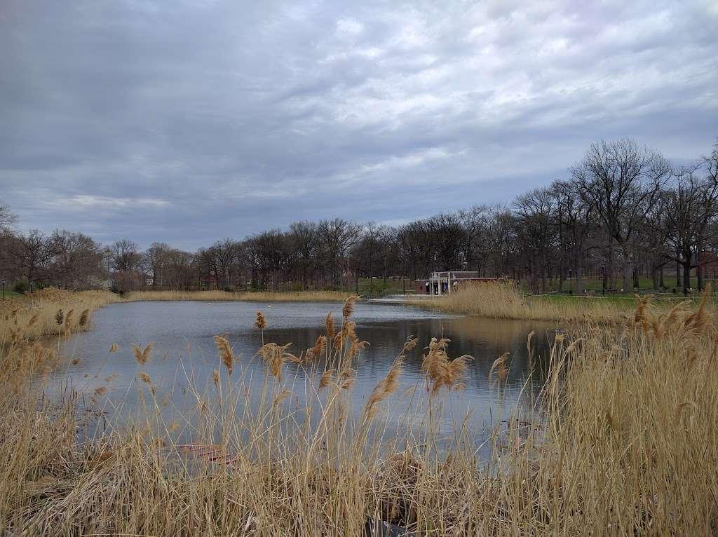 Crotona Park - travel agency  | Photo 7 of 10 | Address: Charlotte St, Bronx, NY 10457, USA | Phone: (212) 639-9675