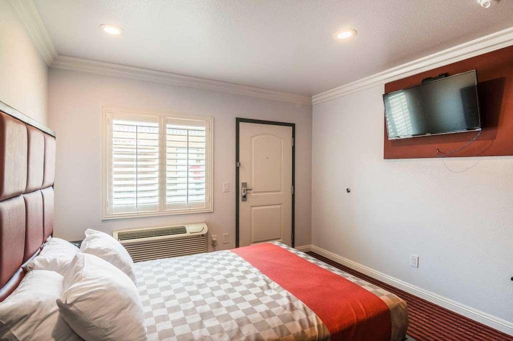 Rodeway Inn & Suites - lodging  | Photo 9 of 9 | Address: 10112 Long Beach Blvd, Lynwood, CA 90262, USA | Phone: (323) 249-0573