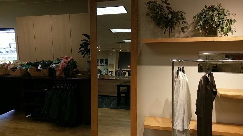 EILEEN FISHER - clothing store  | Photo 4 of 7 | Address: 45 Enterprise Ave N, Secaucus, NJ 07094, USA | Phone: (201) 866-0300