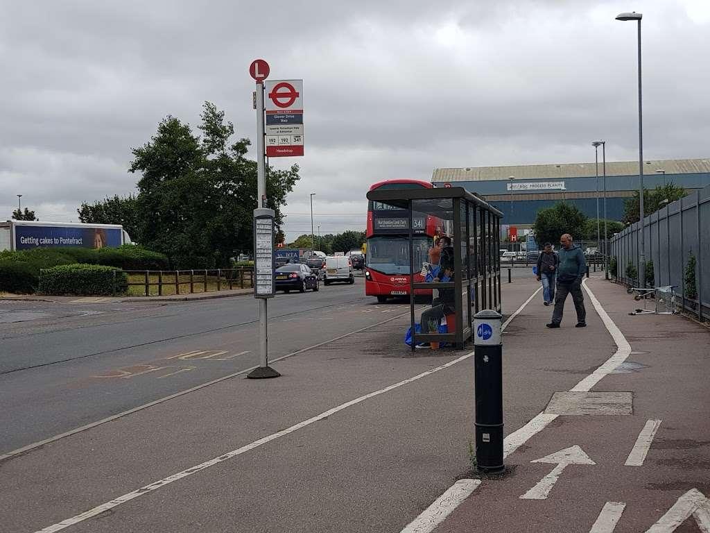 Glover Drive Ikea (Stop L) - bus station  | Photo 3 of 6 | Address: London N18 3HF, UK