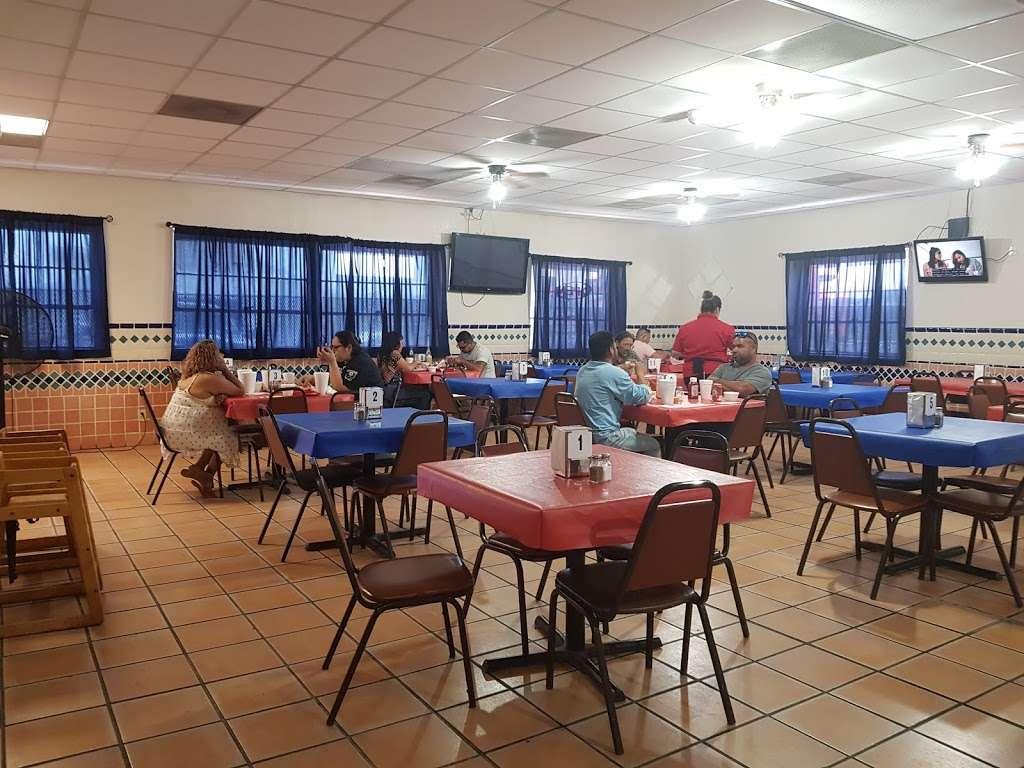 """Al Carbon"" Pollos Asados - restaurant    Photo 1 of 9   Address: 547 Culebra Rd, San Antonio, TX 78201, USA   Phone: (210) 737-7400"