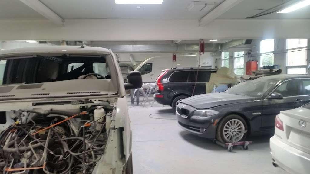 A & V Automotive - car wash  | Photo 4 of 10 | Address: 41 Romeo St, Moonachie, NJ 07074, USA | Phone: (201) 460-3900