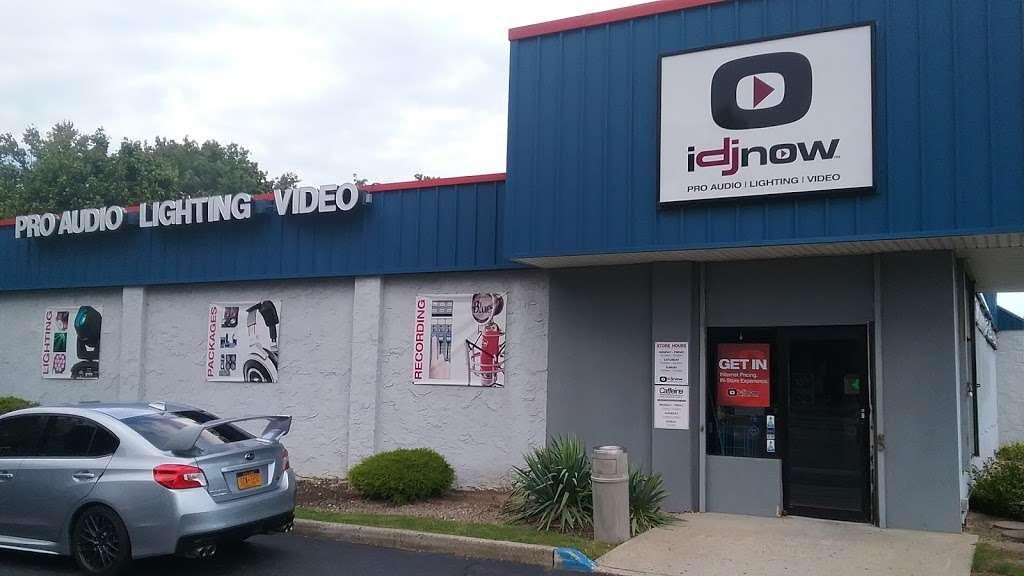 I DJ NOW - electronics store  | Photo 3 of 10 | Address: 1015 Sunrise Hwy, West Babylon, NY 11704, USA | Phone: (631) 321-1700