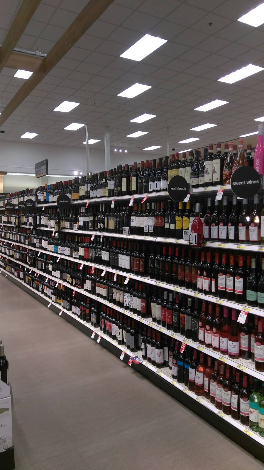 Target - department store  | Photo 3 of 9 | Address: 1600 W Arbrook Blvd, Arlington, TX 76015, USA | Phone: (817) 557-2177