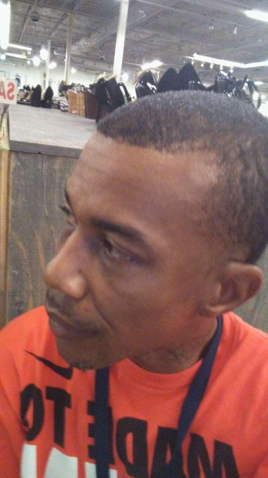 Rainbow - shoe store  | Photo 1 of 8 | Address: 3662 W Camp Wisdom Rd, Dallas, TX 75237, USA | Phone: (972) 709-1536