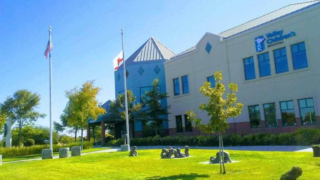 Childrens Hospital Central California : Neurosurgery and Plasti - hospital  | Photo 3 of 8 | Address: 9300 Valley Childrens Pl, Madera, CA 93636, USA | Phone: (559) 353-3000