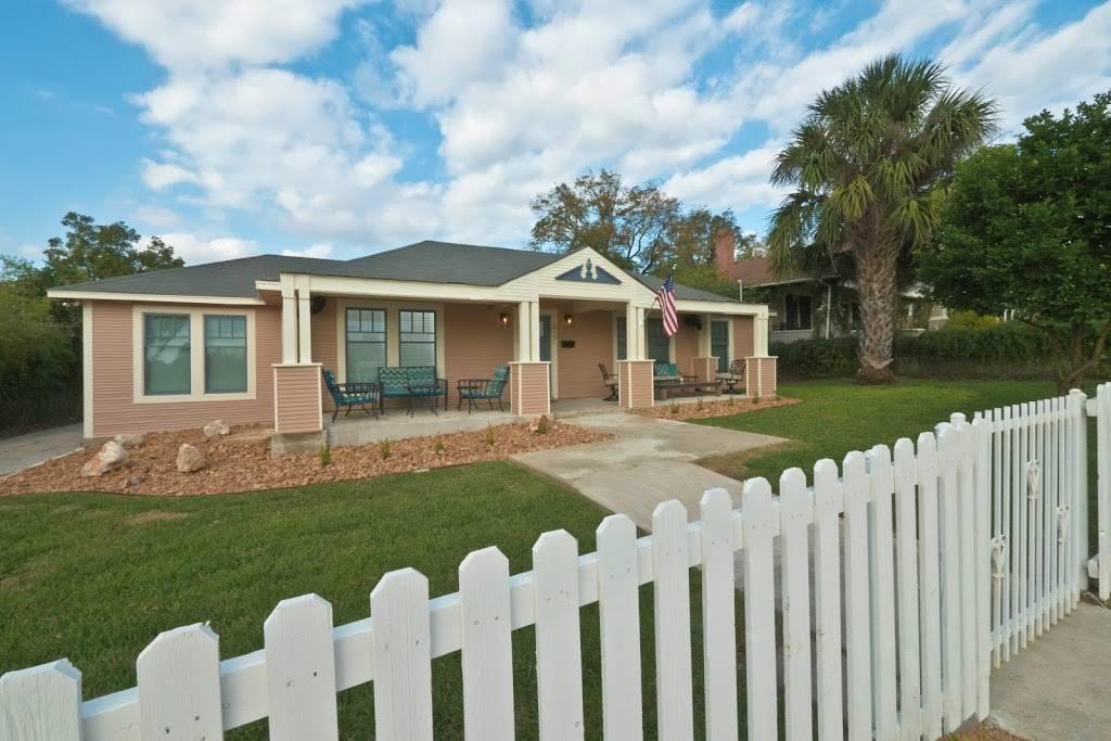 Stay SA Historic Vacation Rentals - real estate agency  | Photo 2 of 8 | Address: 233 Leigh St, San Antonio, TX 78210, USA | Phone: (210) 317-4076