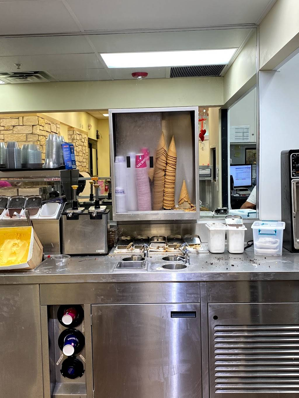 Braums Ice Cream & Burger Restaurant - restaurant  | Photo 9 of 9 | Address: 11415 E 96th St N, Owasso, OK 74055, USA | Phone: (918) 272-4770
