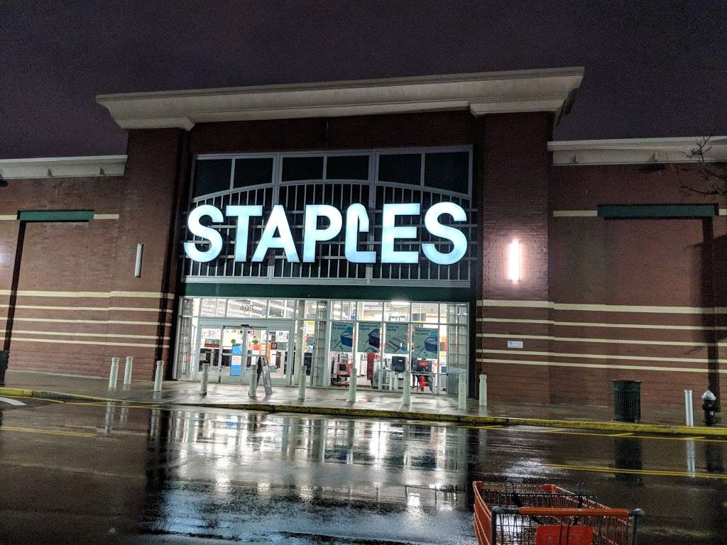 Staples - furniture store  | Photo 9 of 10 | Address: 409 Gateway Dr, Brooklyn, NY 11239, USA | Phone: (718) 348-9477