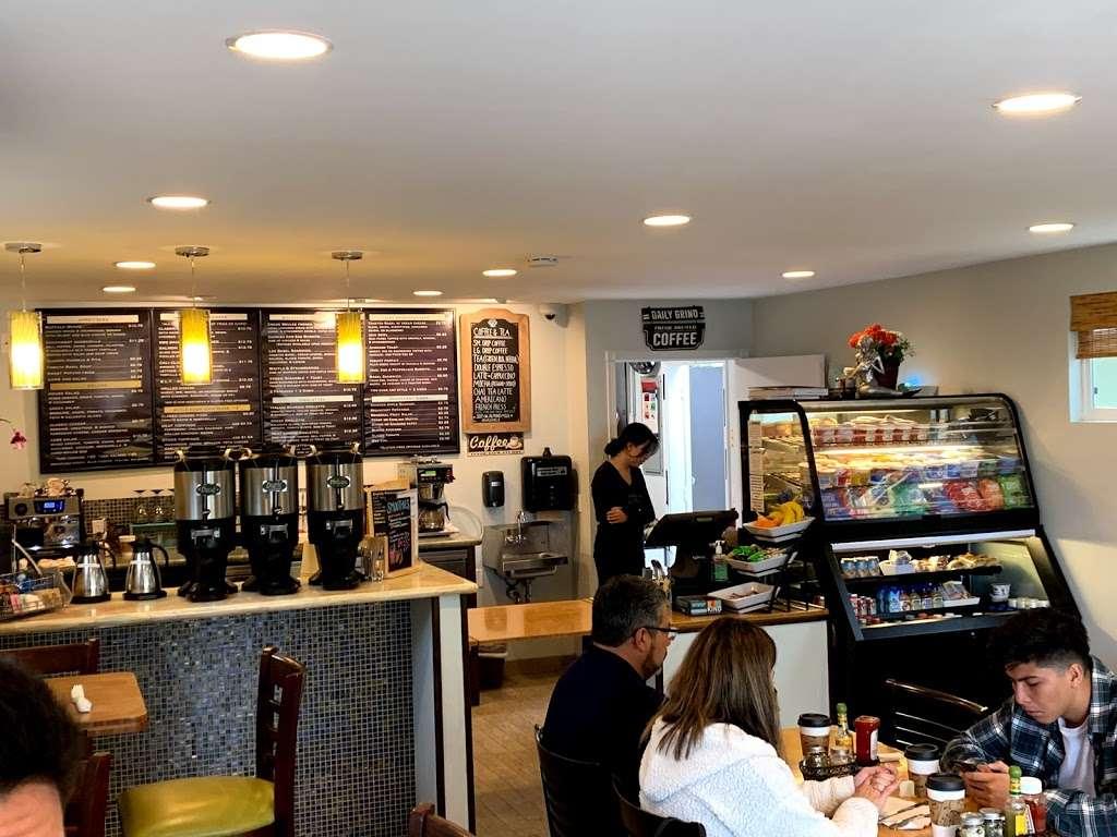 Cafe Del Mar - restaurant  | Photo 7 of 10 | Address: 720 Camino Del Mar, Del Mar, CA 92014, USA | Phone: (858) 755-9765