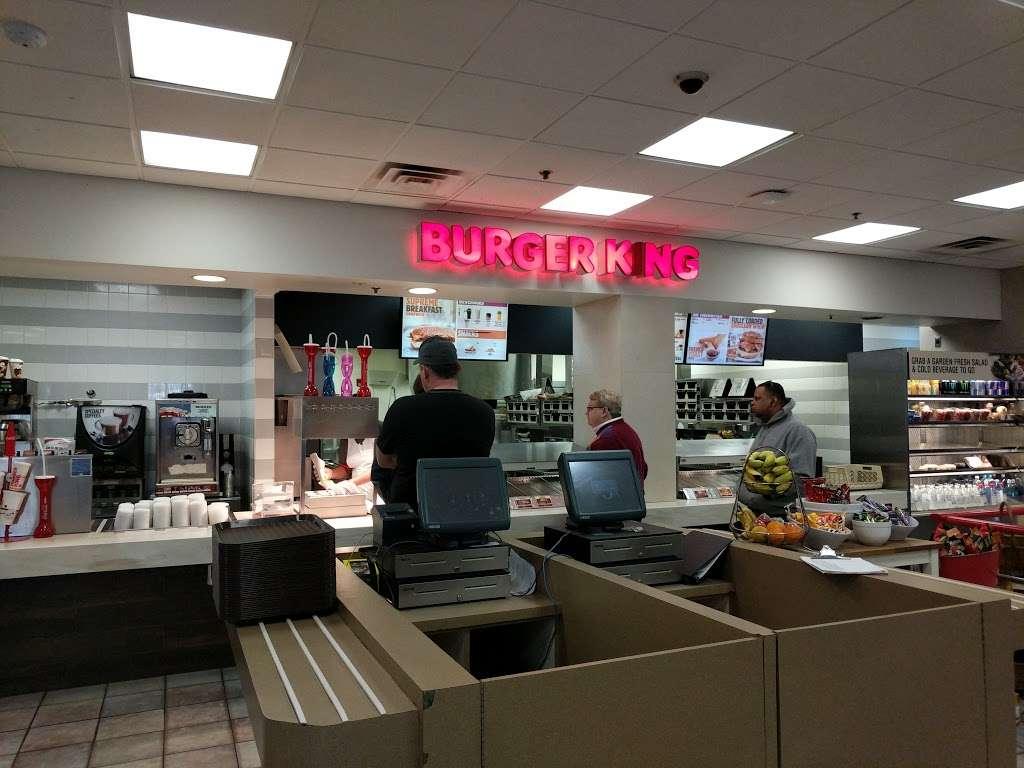Burger King - restaurant  | Photo 7 of 10 | Address: Hms Host Vince Lombardi Travel Plaz, Ridgefield, NJ 07657, USA | Phone: (201) 943-1171
