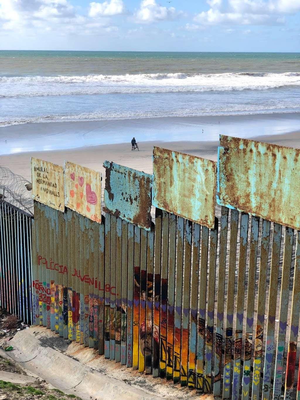 El Muro en la Playa, Tijuana - museum  | Photo 1 of 10 | Address: Faro, Monumental, Tijuana, B.C.