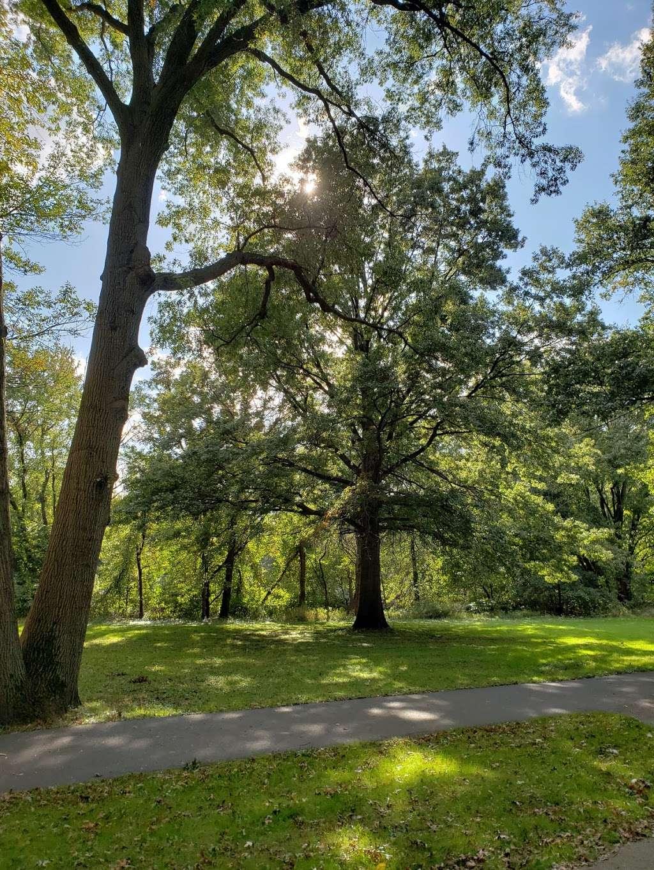 Saddle River Bike Path Parking 3 - park  | Photo 7 of 10 | Address: 760 Saddle River Rd, Saddle Brook, NJ 07663, USA