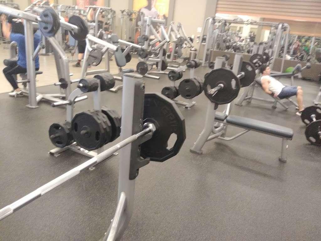 LA Fitness - gym    Photo 2 of 6   Address: 9880 W Lower Buckeye Rd, Tolleson, AZ 85353, USA   Phone: (602) 734-1363