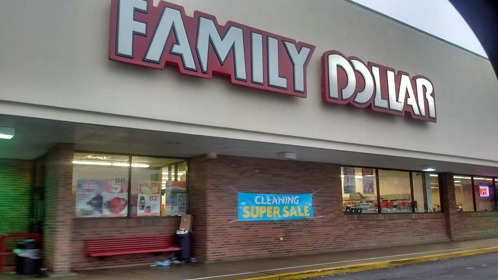 Family Dollar - supermarket  | Photo 1 of 2 | Address: 1045 W 37th Ave, Hobart, IN 46342, USA | Phone: (219) 947-8174