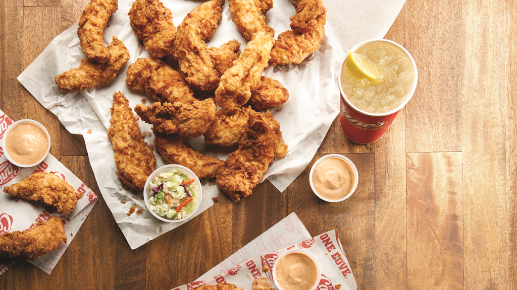 Raising Canes Chicken Fingers - meal takeaway  | Photo 1 of 8 | Address: 5195 Plank Rd, Baton Rouge, LA 70805, USA | Phone: (225) 356-4240