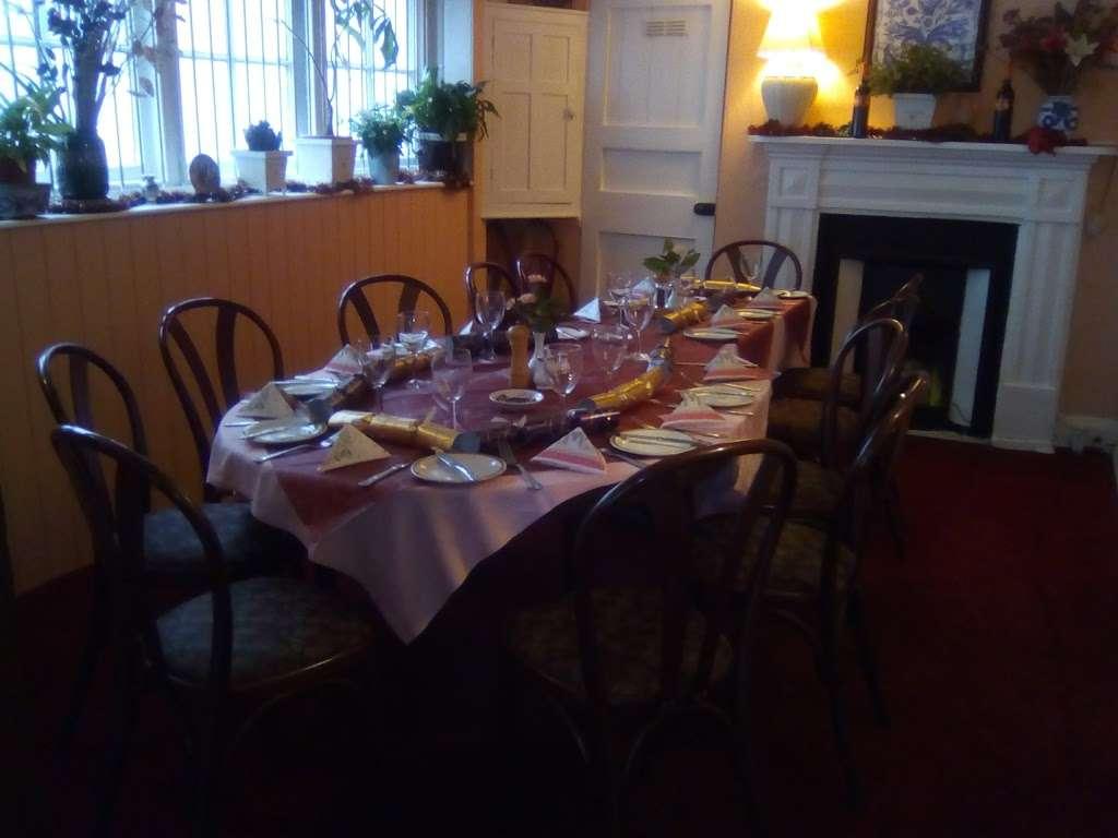 Cafe Estrela do Sul - restaurant  | Photo 4 of 10 | Address: The Square, High St, Hadlow, Tonbridge TN11 0DA, UK