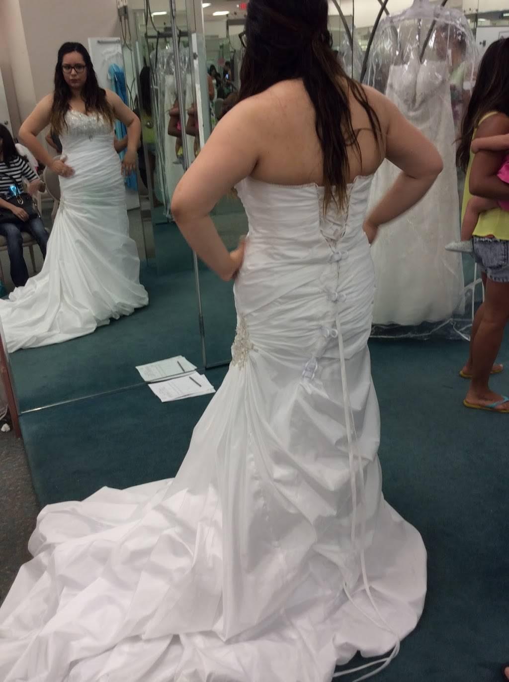 David's Bridal - shoe store  | Photo 5 of 9 | Address: 980 Camino De La Reina Suite A, San Diego, CA 92108, USA | Phone: (619) 220-8008
