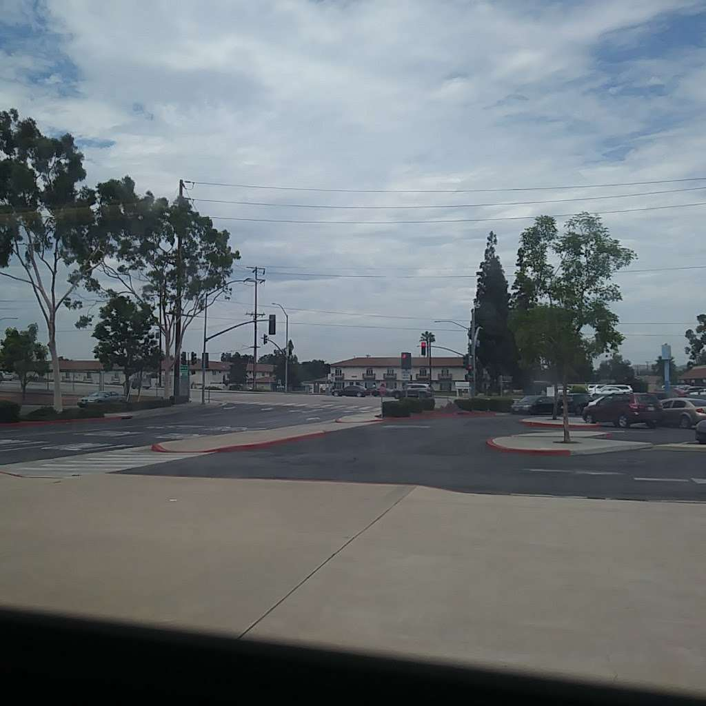 Park & Ride - parking  | Photo 6 of 10 | Address: 3000 W Orangethorpe Ave, Fullerton, CA 92833, USA