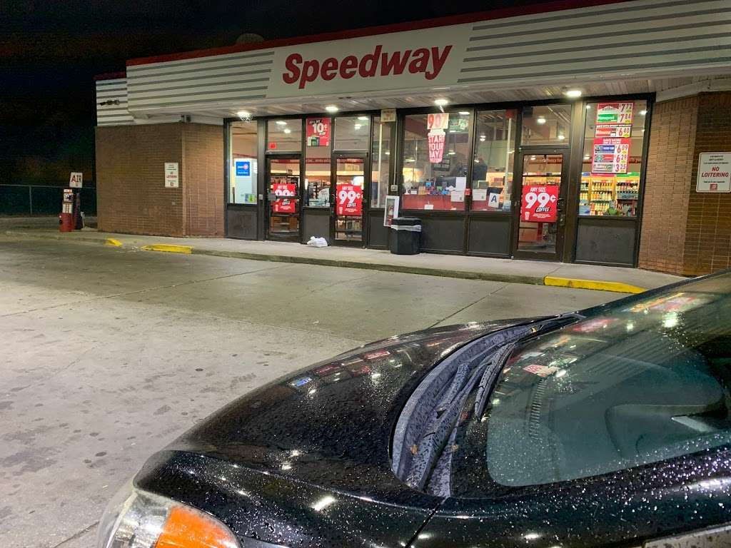 Speedway - convenience store  | Photo 1 of 4 | Address: 907 W Greenfield Ave, Milwaukee, WI 53204, USA | Phone: (414) 383-9593