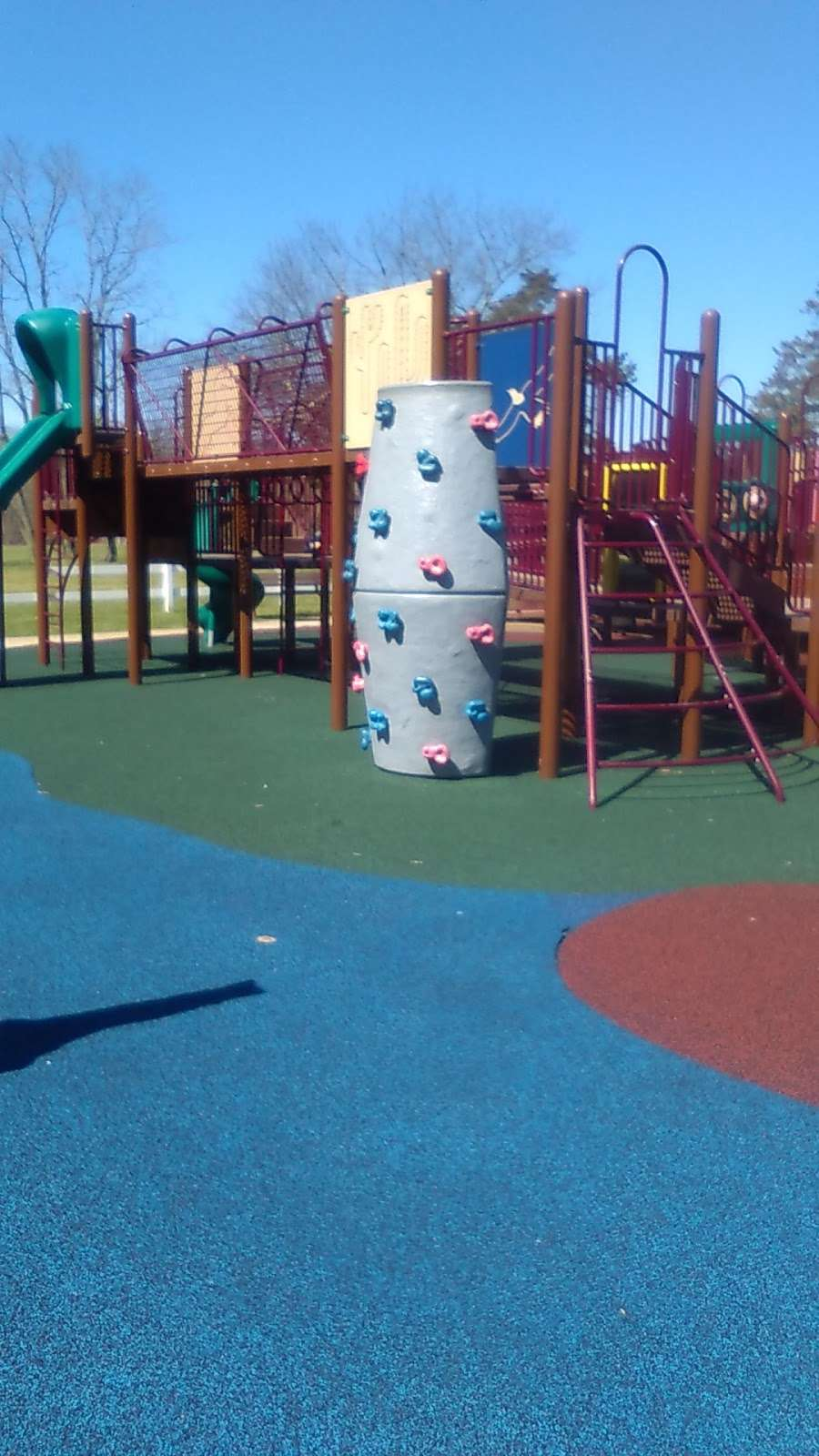 Riverwood Park Recreation - park  | Photo 9 of 10 | Address: Riverwood Dr, Toms River, NJ 08753, USA | Phone: (732) 341-1000