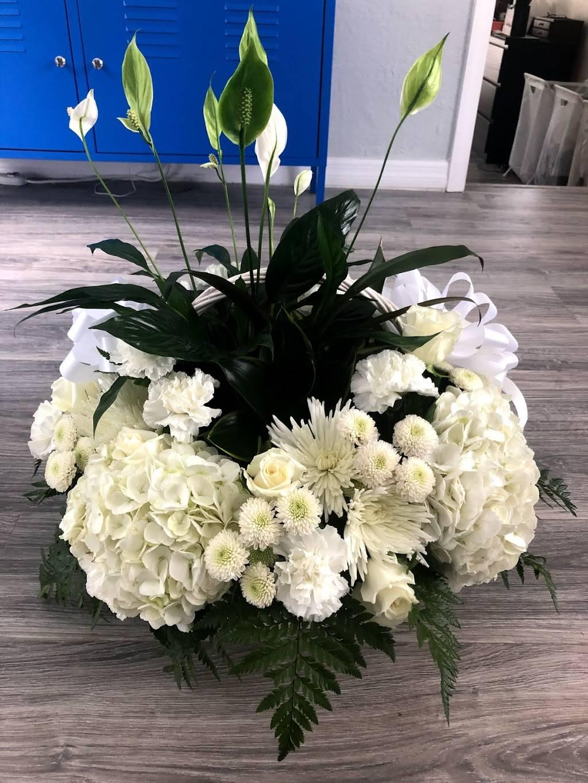 Flowers Unlimited - florist  | Photo 4 of 8 | Address: 5532 66th St N, St. Petersburg, FL 33709, USA | Phone: (727) 384-5900