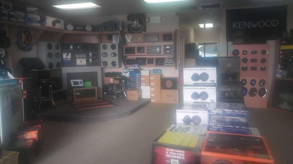 World Wide Stereo - car repair  | Photo 1 of 2 | Address: 5702 Garth Rd # 100, Baytown, TX 77521, USA | Phone: (281) 421-1111