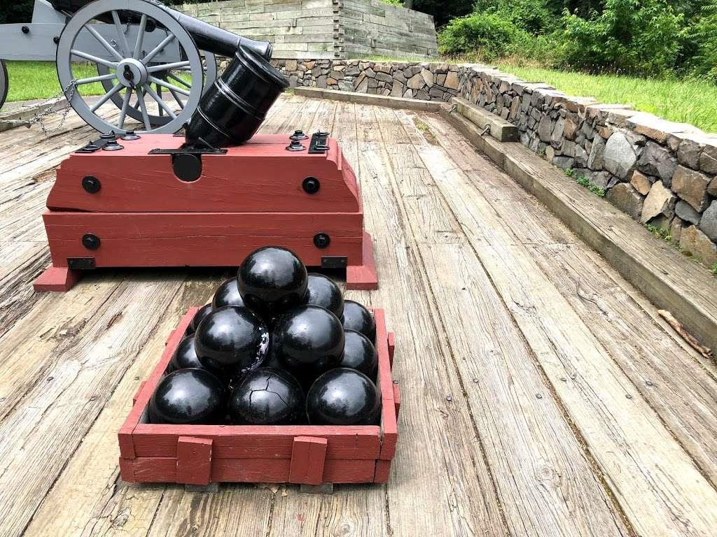 Fort Lee Historic Park - park  | Photo 1 of 10 | Address: Hudson Terrace, Fort Lee, NJ 07024, USA | Phone: (201) 461-1776