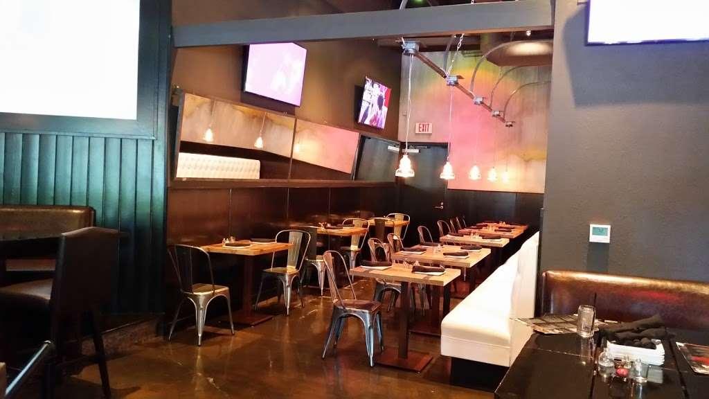 The Park Restaurant and Bar - restaurant  | Photo 2 of 10 | Address: 706 Lindero Canyon Rd suite 752, Oak Park, CA 91377, USA | Phone: (818) 532-7919