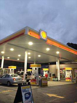 Shell - gas station  | Photo 3 of 10 | Address: 1810 Tonnelle Ave, North Bergen, NJ 07047, USA | Phone: (201) 271-0905